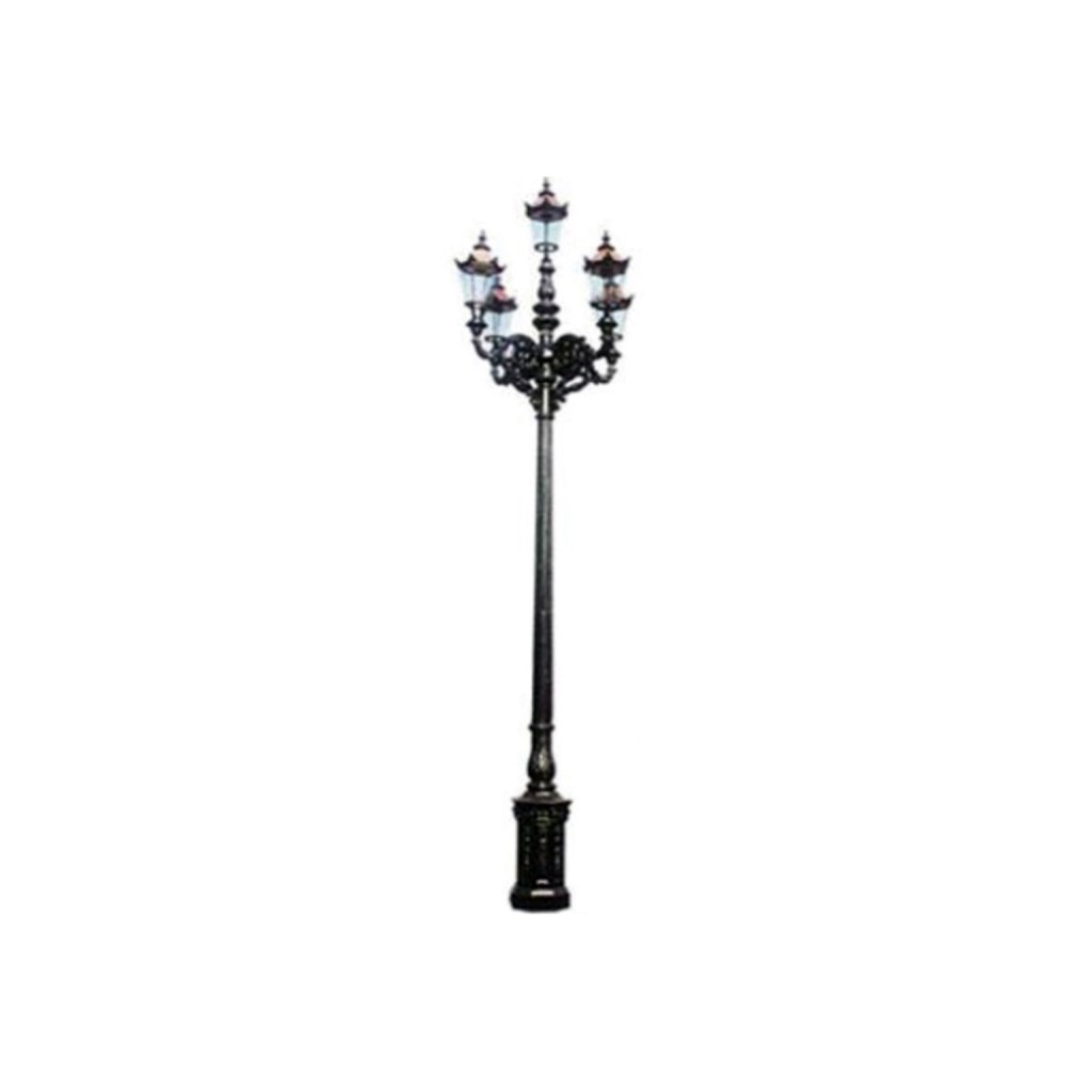 Lamp post made ​​of cast iron